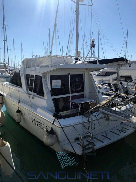 Raffaelli Middle fly Motor boat used for sale