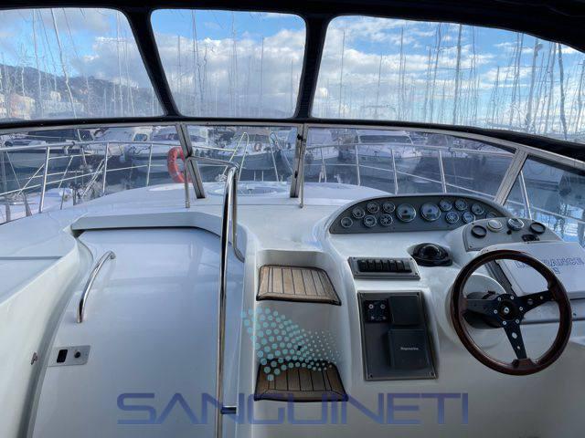 Innovazioni e Progetti Mira 37 motor boat