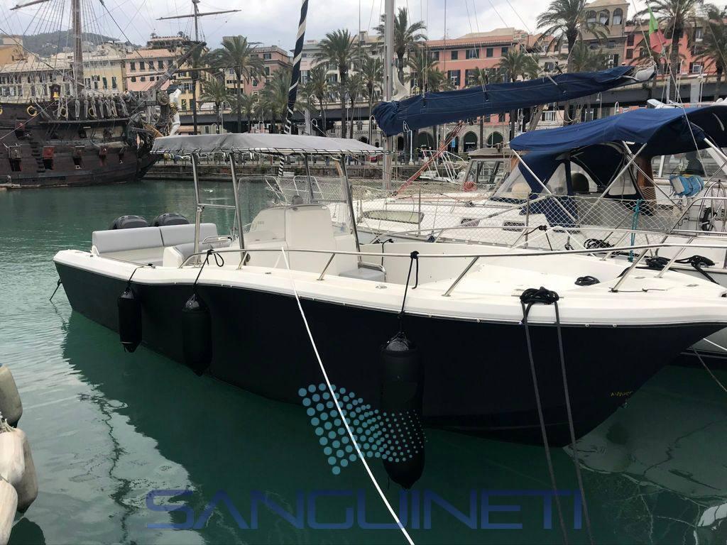 White Shark 285 Motor boat used for sale