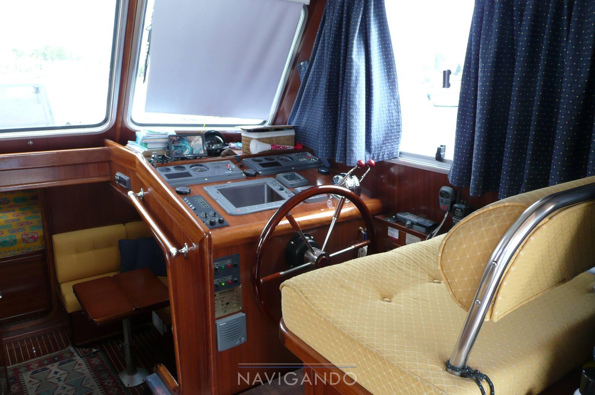 Menorquin 120 t motor boat