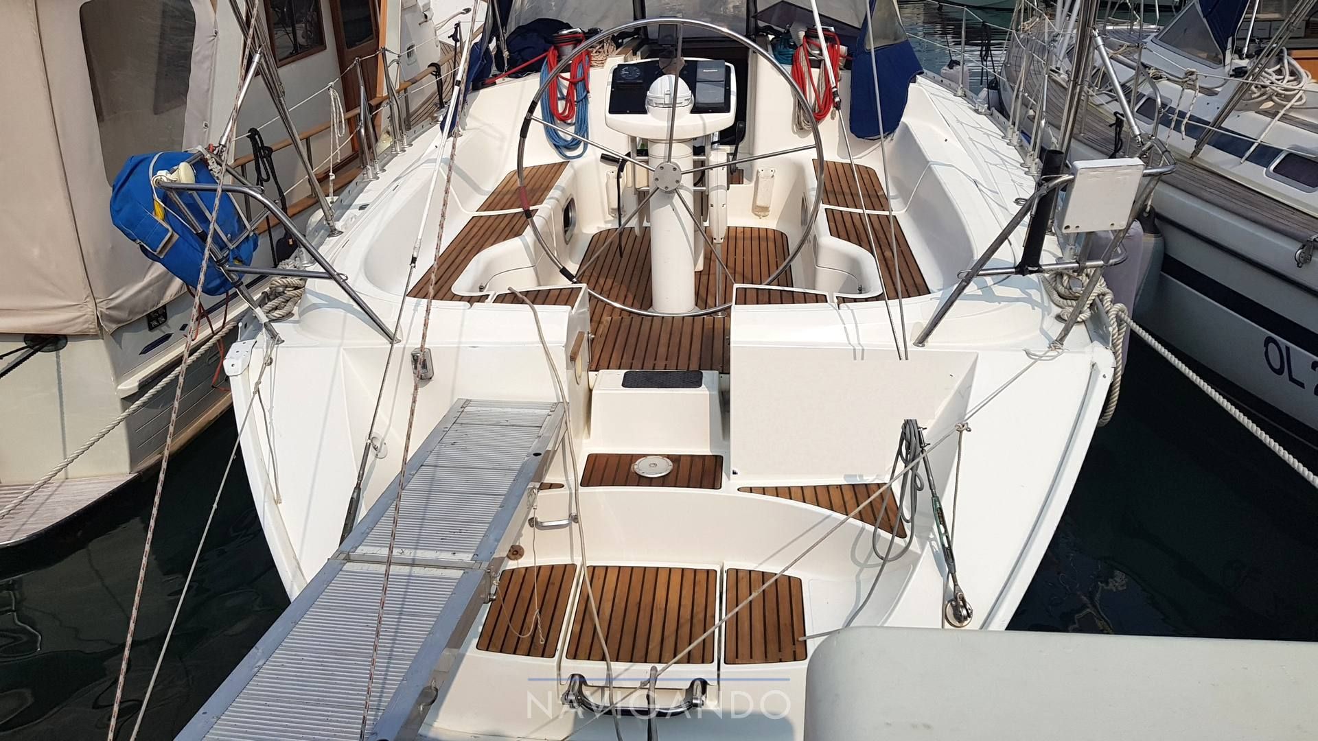 Jeanneau Sun odyssey 42.2 Sail cruiser