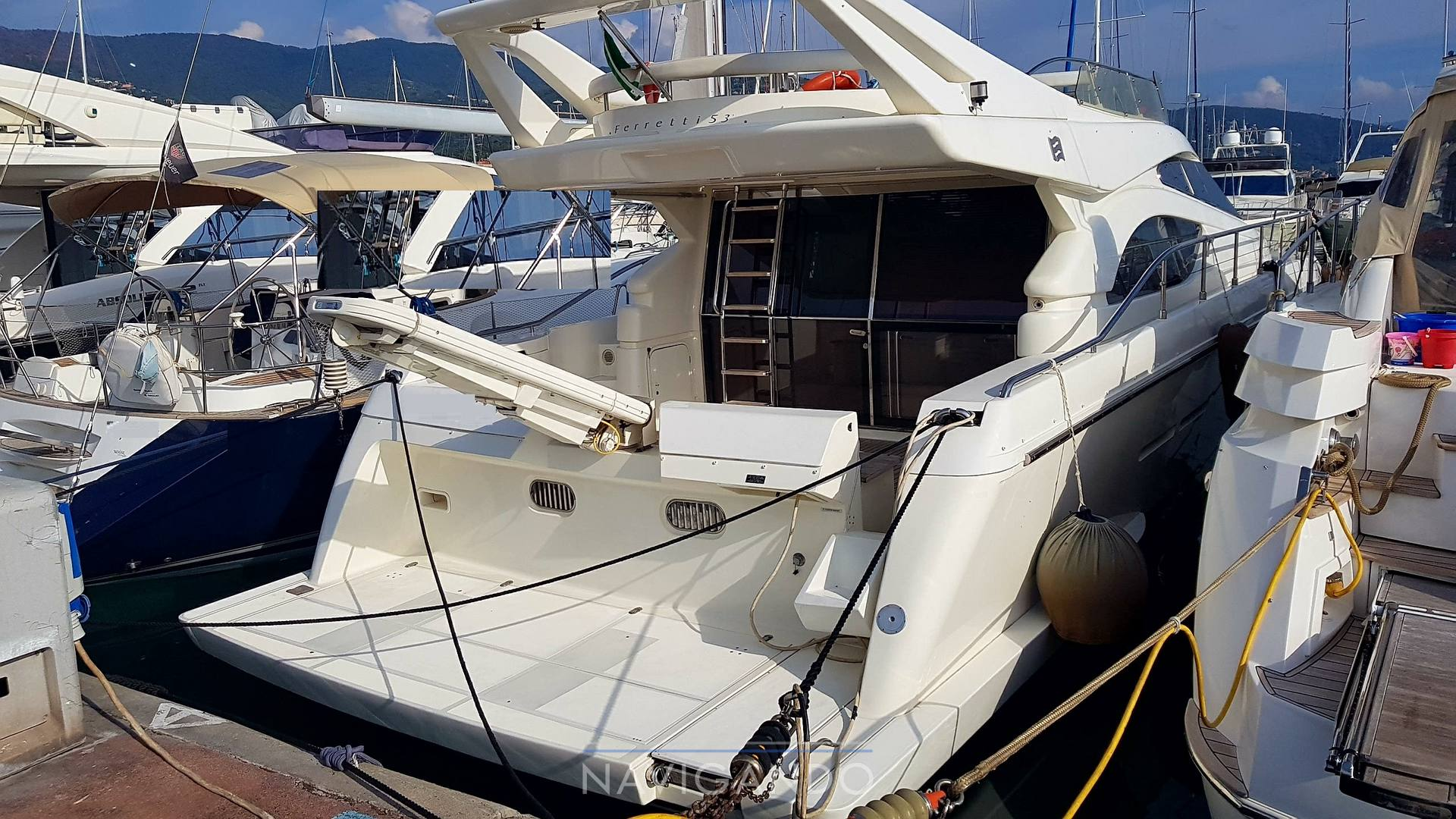 Ferretti 53 fly Motor boat used for sale