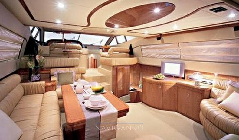 Ferretti 590 Yacht à moteur occasion