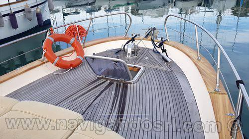 Fratelli Aprea Sorrento 750 bateau à moteur