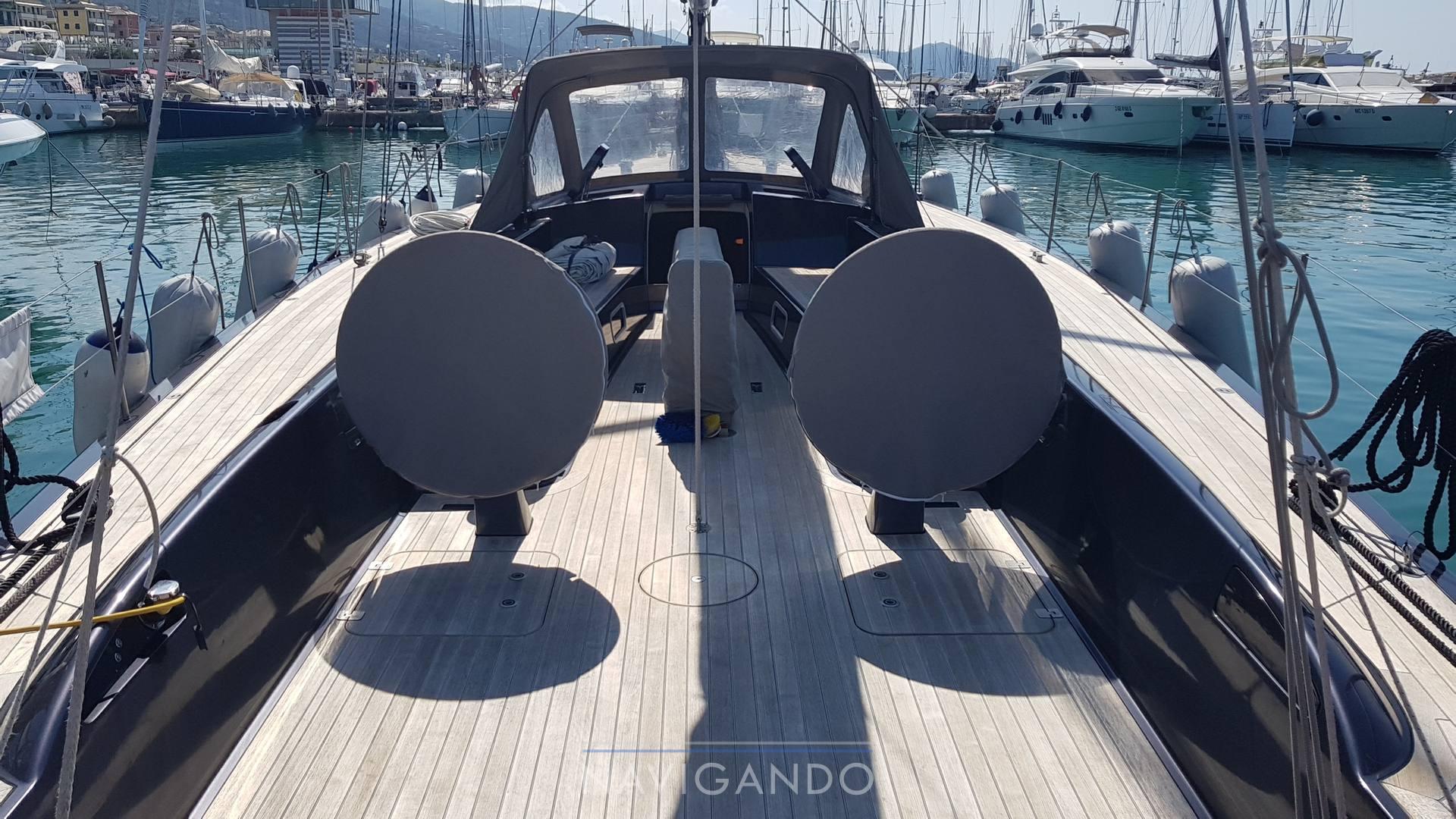 Maxi Dolphin 65 Cruiser