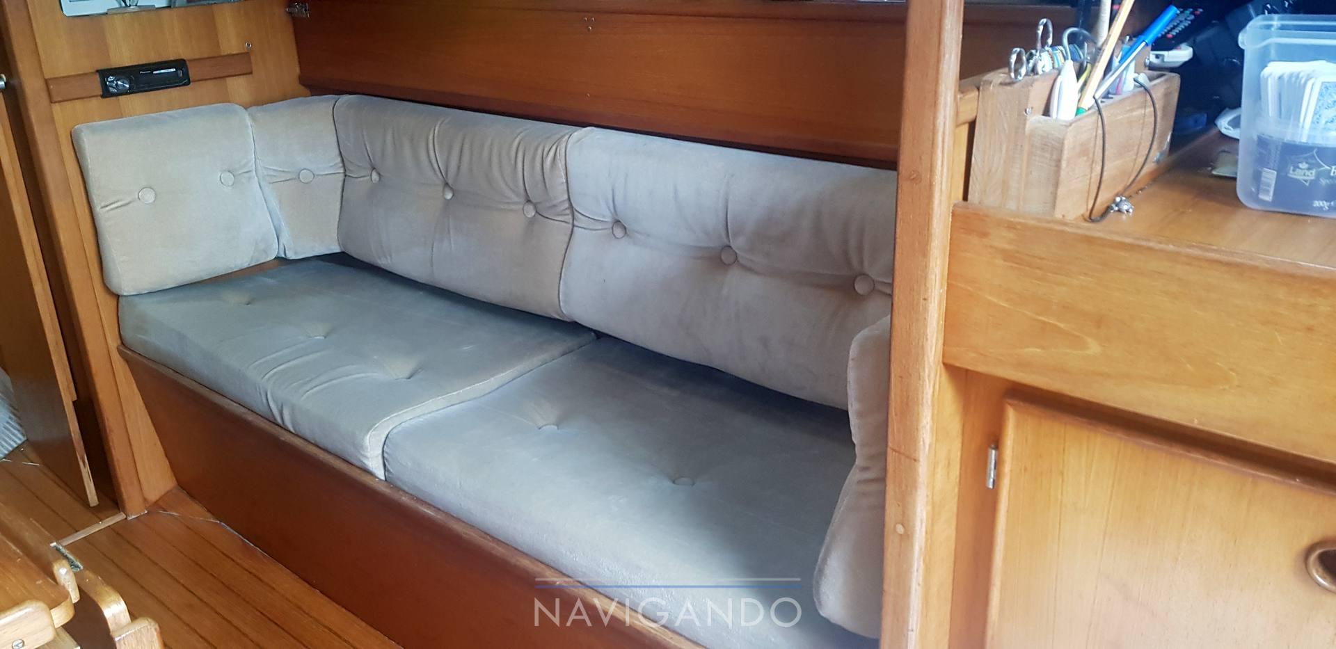 Jeanneau Sun fizz 40 sailing boat