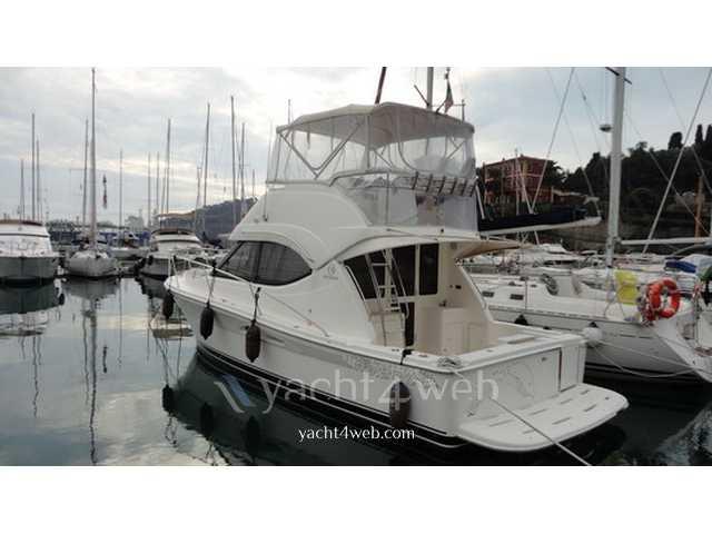 Riviera yachts 33 fly