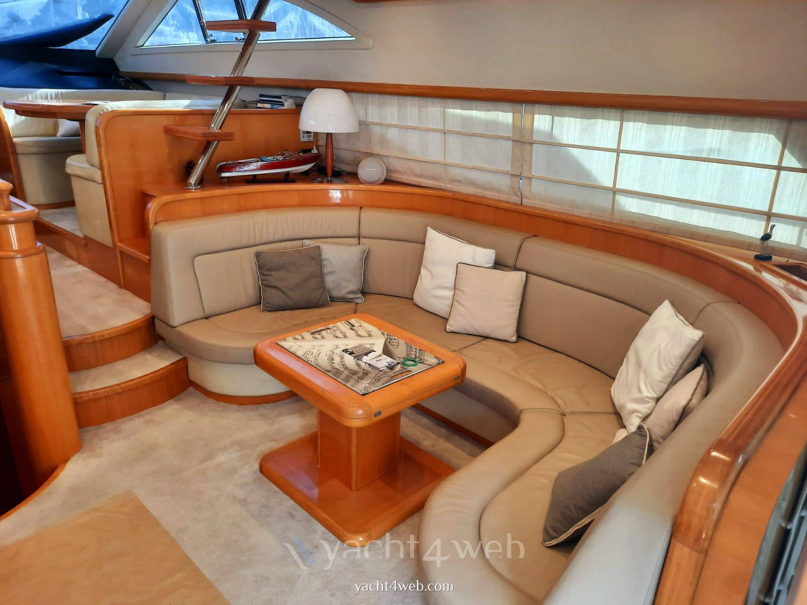 UNIESSE MARINE 55' fly Motor boat used for sale