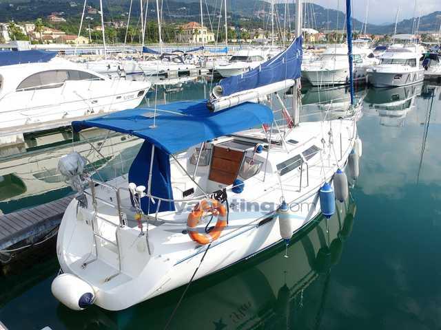 Catalina Yachts Catalina 320