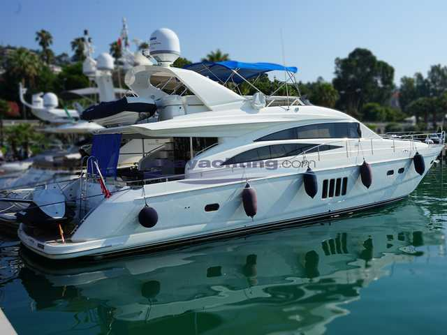 Princess Yachts 67