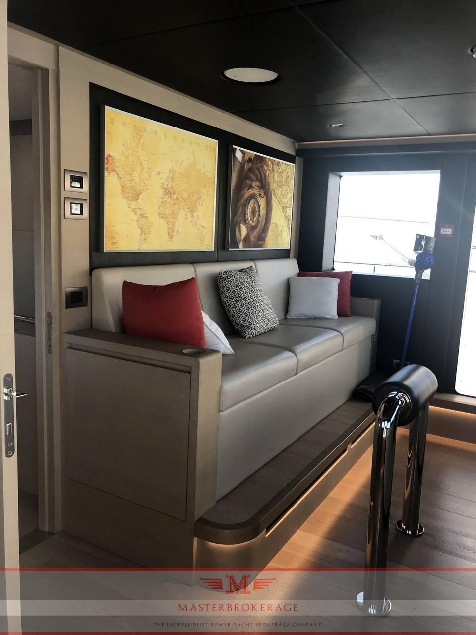 GULF CRAFT Nomad 95 suv barca a motore