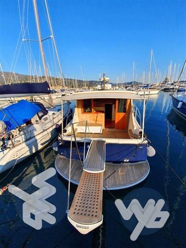 Cantieri Estensi Goldstar 360 Motor boat used for sale