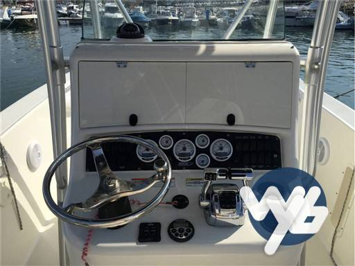 Boston Whaler Outrage 270 Motor boat used for sale