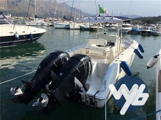 Boston Whaler Outrage 270 Motor yacht used