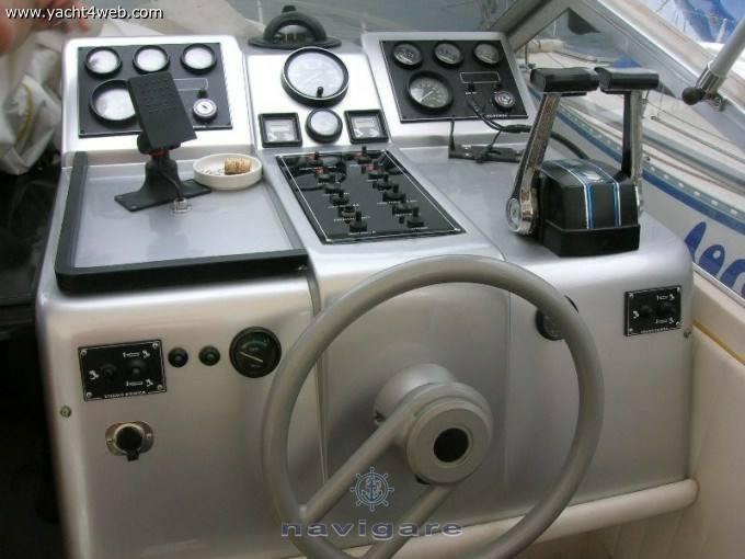 FIART Thunder 28 bateau à moteur