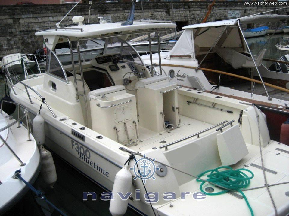 Zeta Group F300 bluetime Моторная лодка используется для продажи