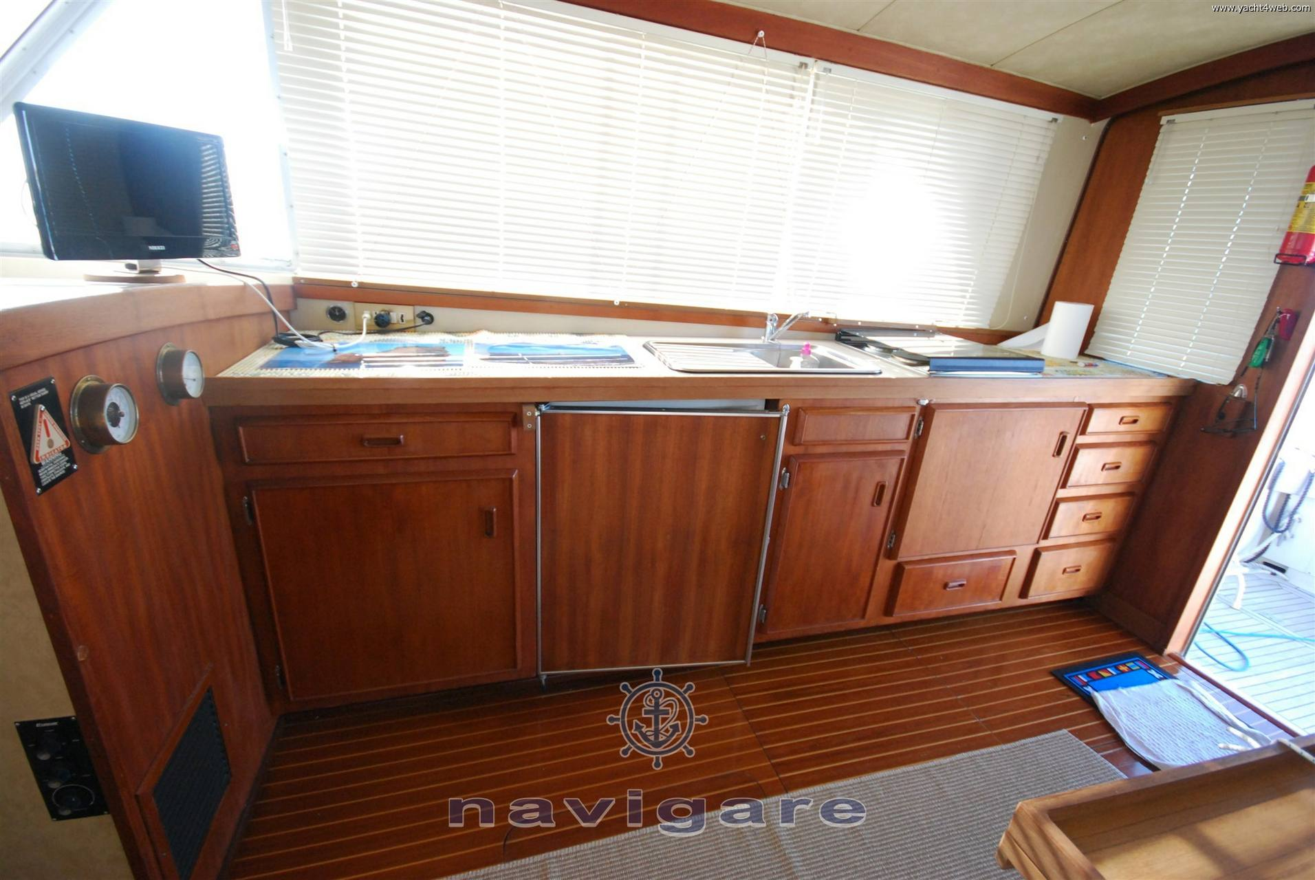 Bertram Yacht 33 fbc seconda serie barco de motor