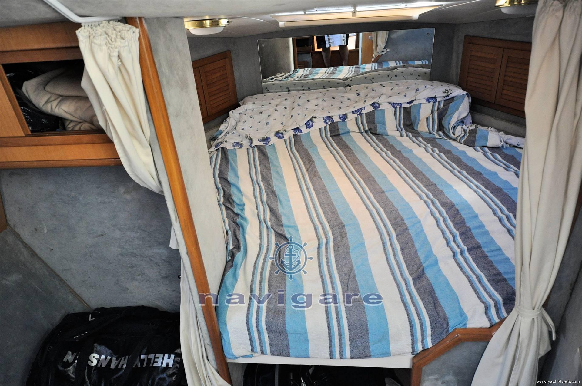 Plastik Space 310 cruiser barca a motore