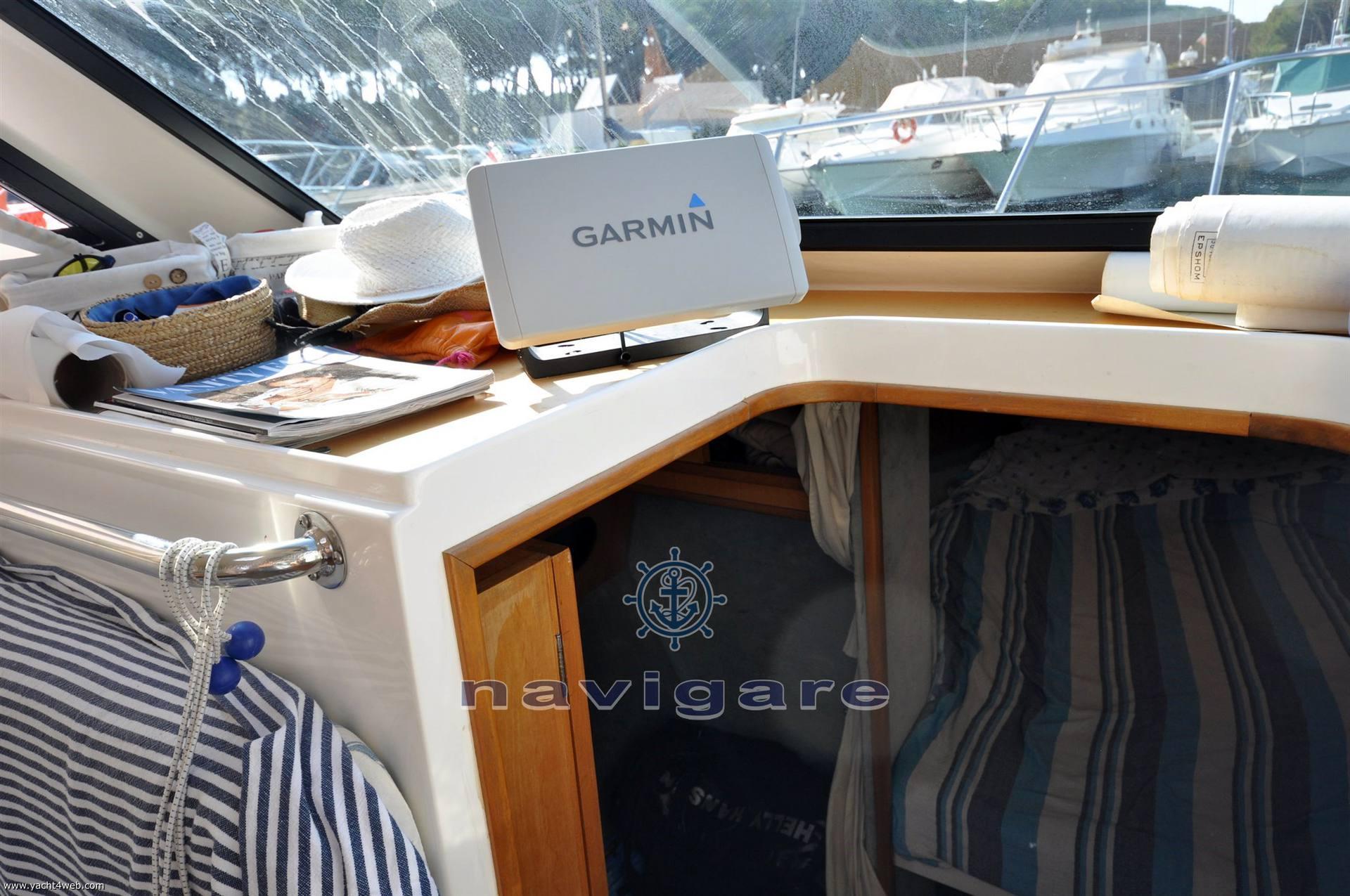 Plastik Space 310 cruiser Motor yacht used