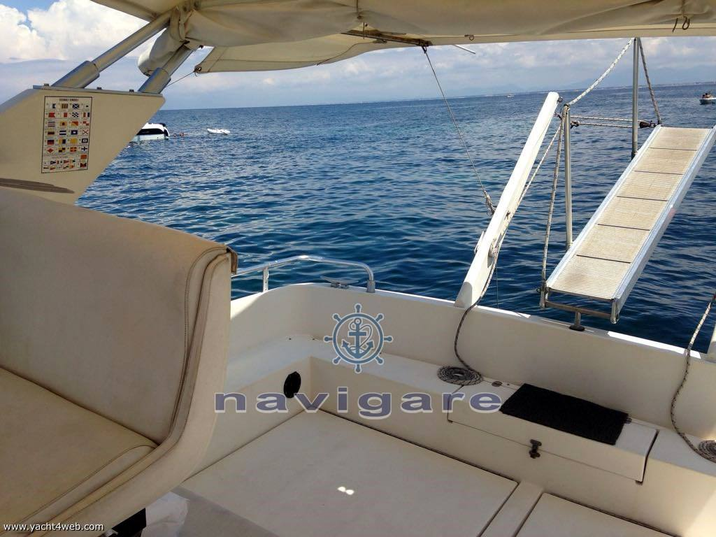 Mochi Craft 33 open motor boat