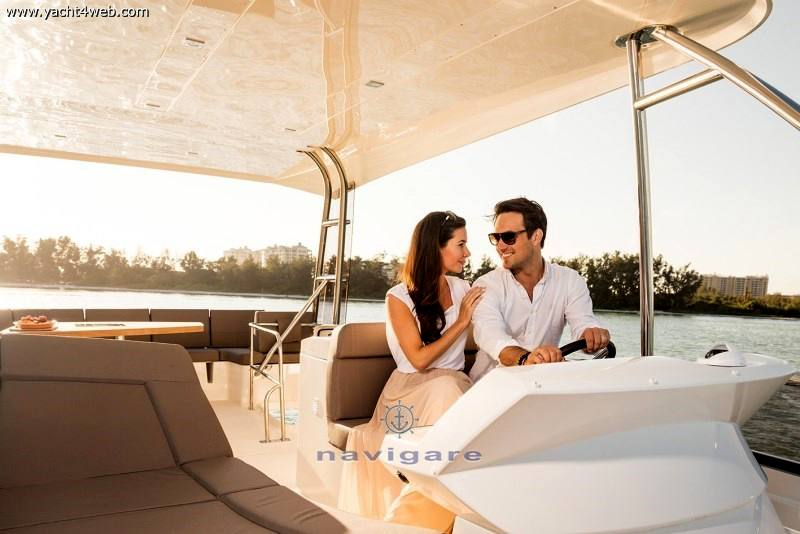 Prestige 560 fly Barca a motore nuova in vendita