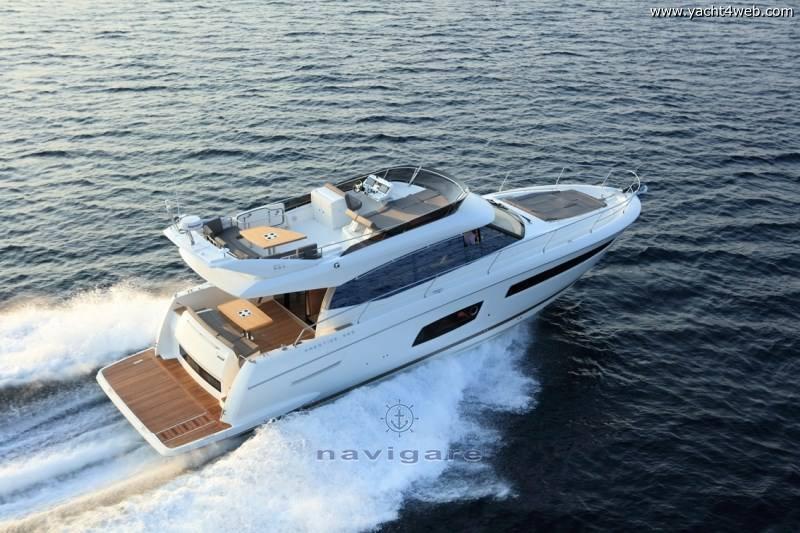 Prestige 560 fly Motor yacht
