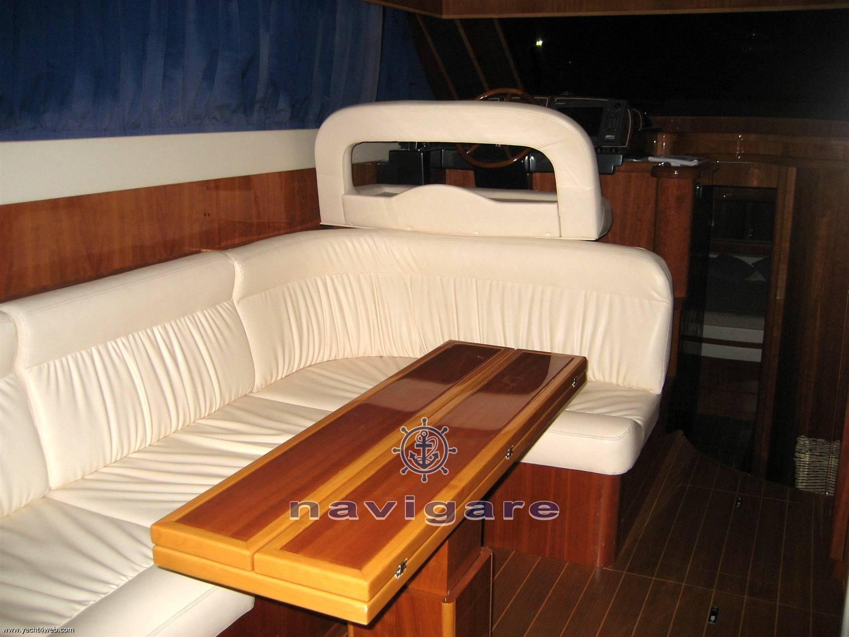 Cayman 42 fly Motor yacht