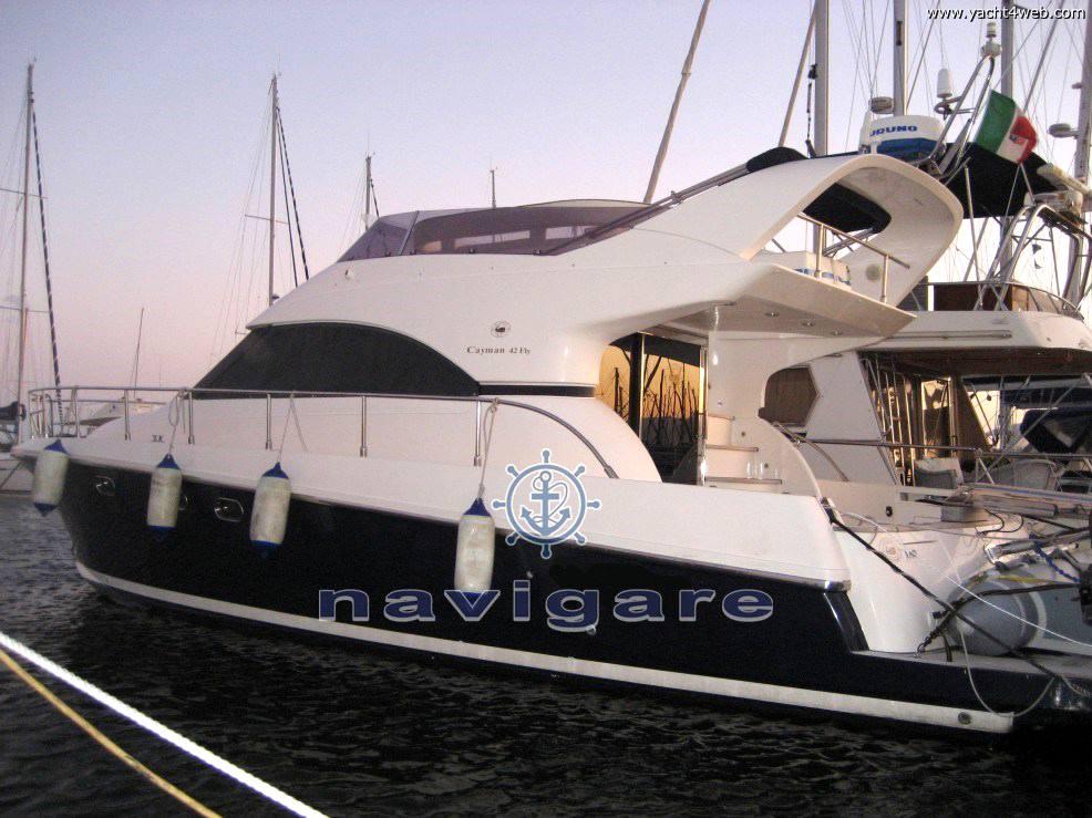 Cayman 42 fly Motor yacht used