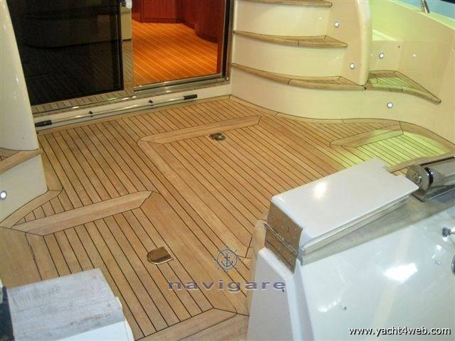 Cayman 42 fly Motor boat used for sale