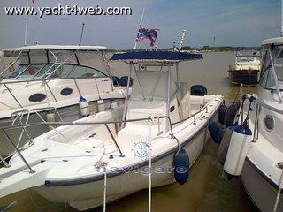 Boston whaler 26 outrage