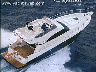 Cayman Yachts 42 fly