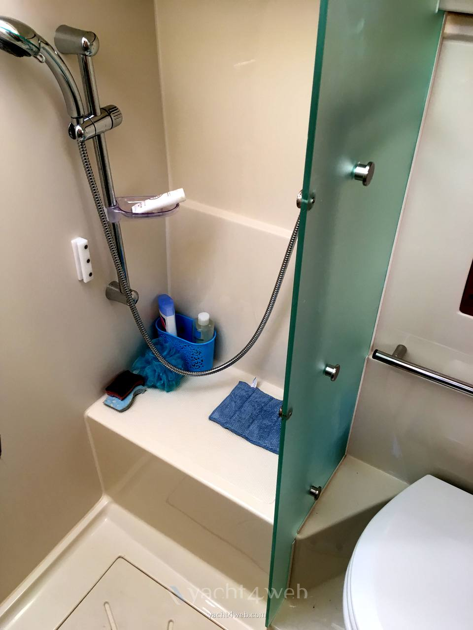 Elan Impression 434 - Photo Hygienic service 1