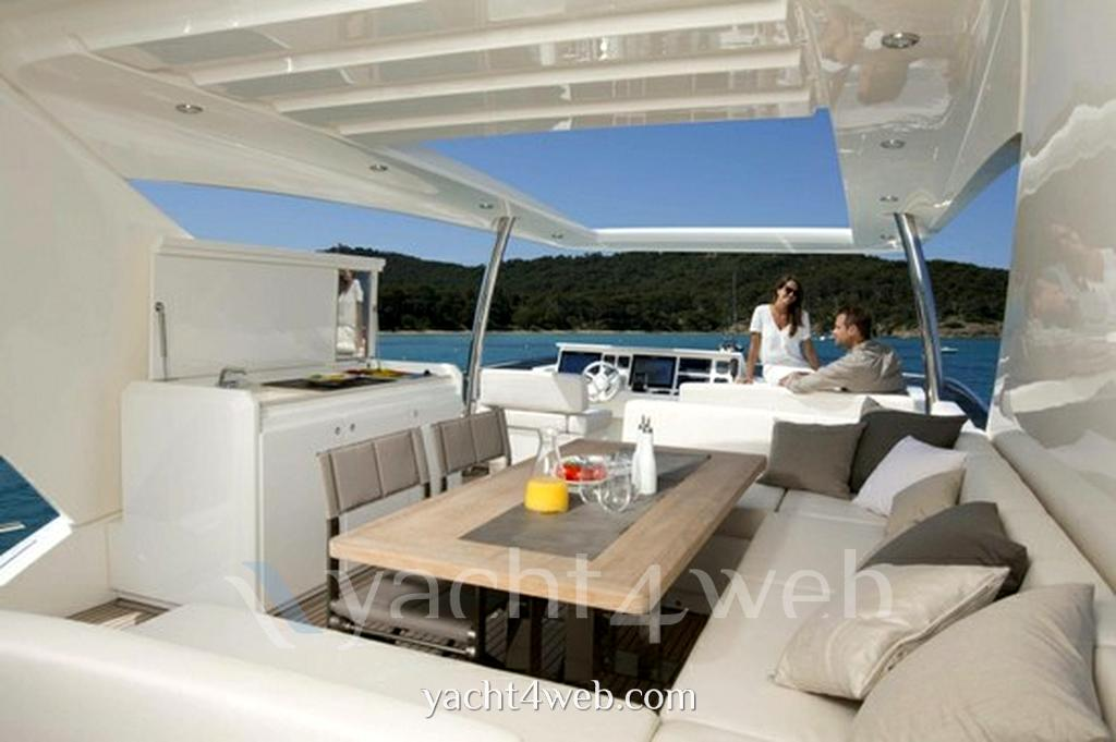 Prestige 750 - Photo Exterior: detail 1