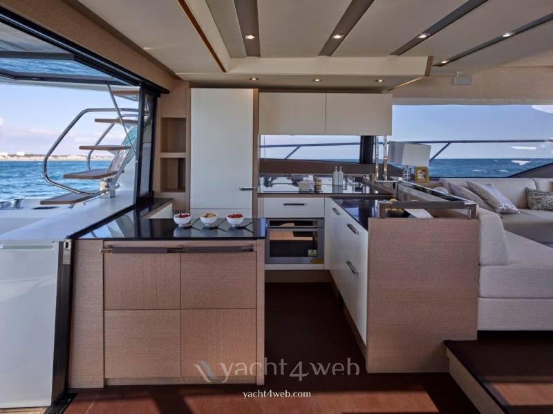 Prestige 630 fly barca a motore