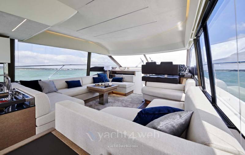 PRESTIGE 590 new barca a motore