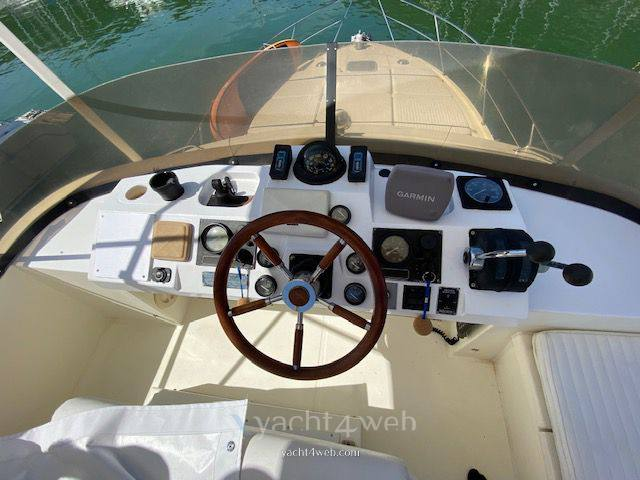 FAIRLINE 36 sedan fly barca a motore