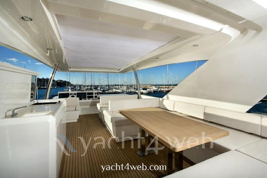 Prestige 750 barca a motore