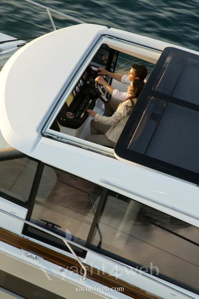 Jeanneau new Nc 14 barca a motore