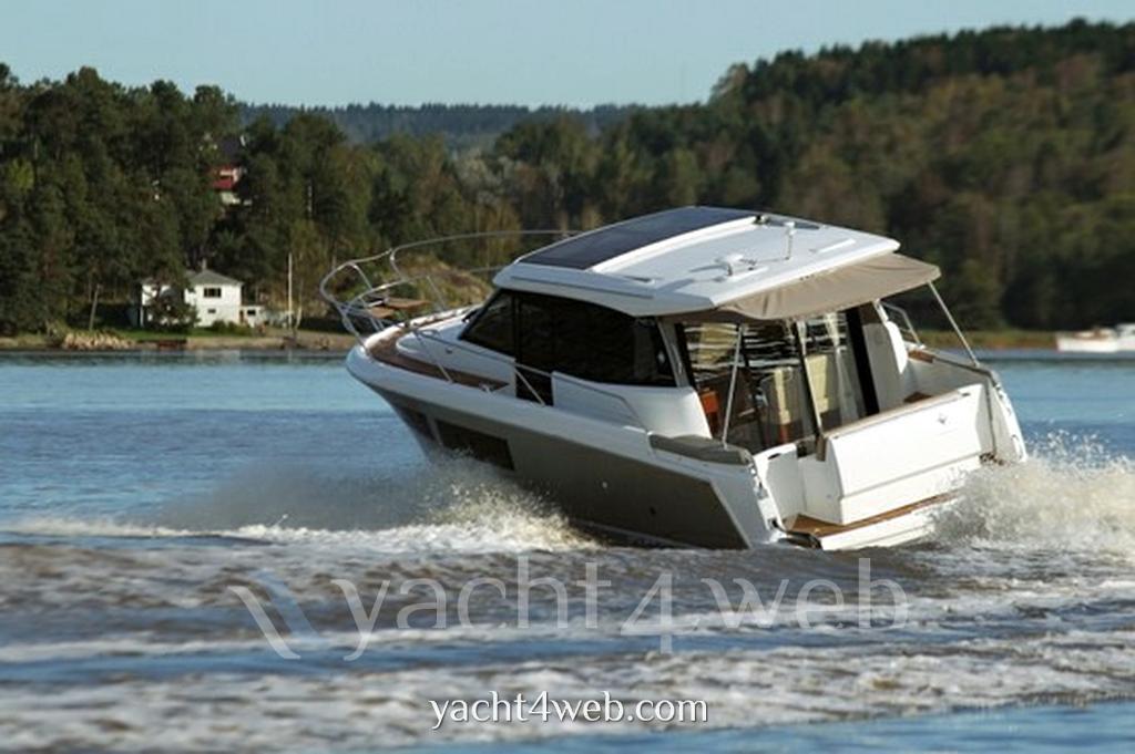Jeanneau Nc 9 Моторная лодка