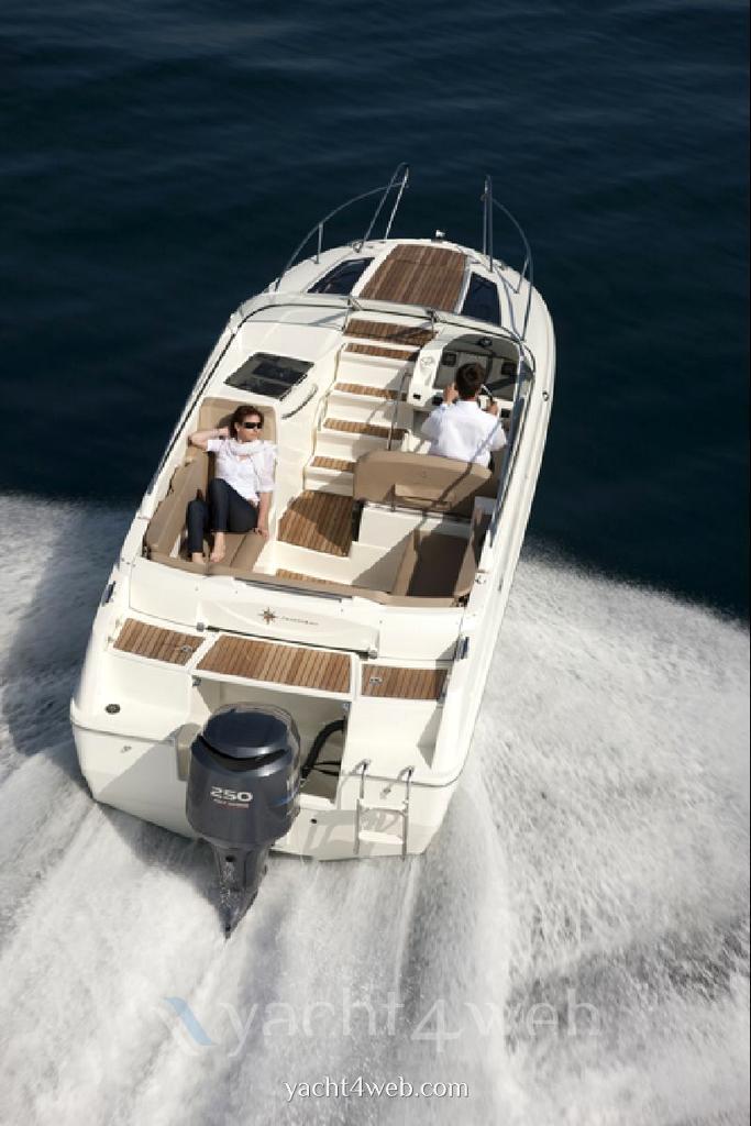 Jeanneau Cap camarat 7.5 dc Barco de motor Vendo nuevo