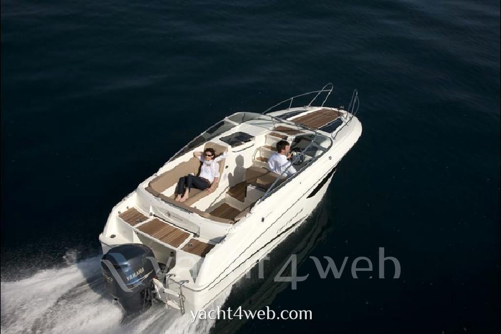 Jeanneau Cap camarat 7.5 dc Express Cruiser