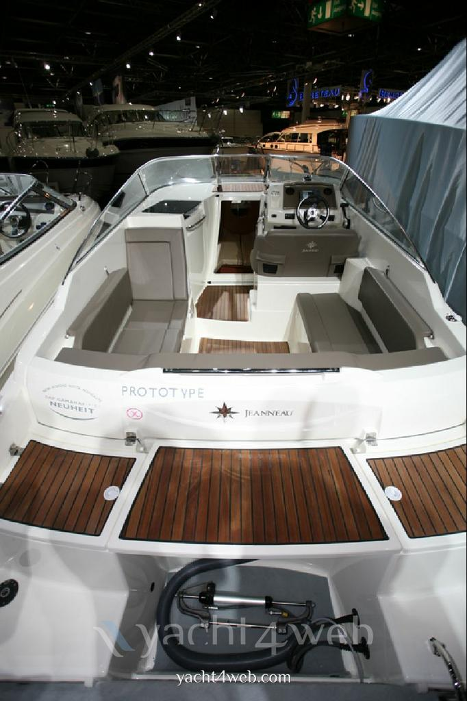 Jeanneau Cap camarat 7.5 dc Express cruiser new