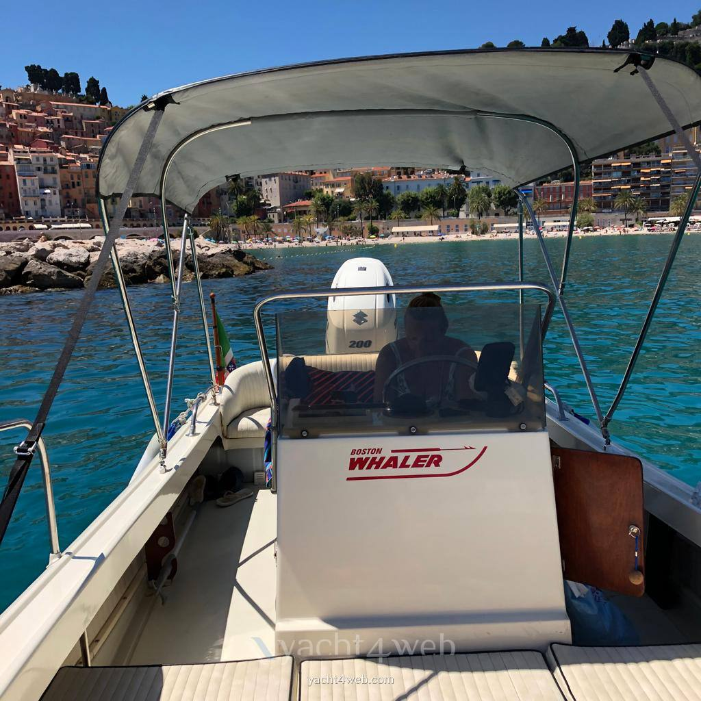 BOSTON WHALER Outrage 21 used