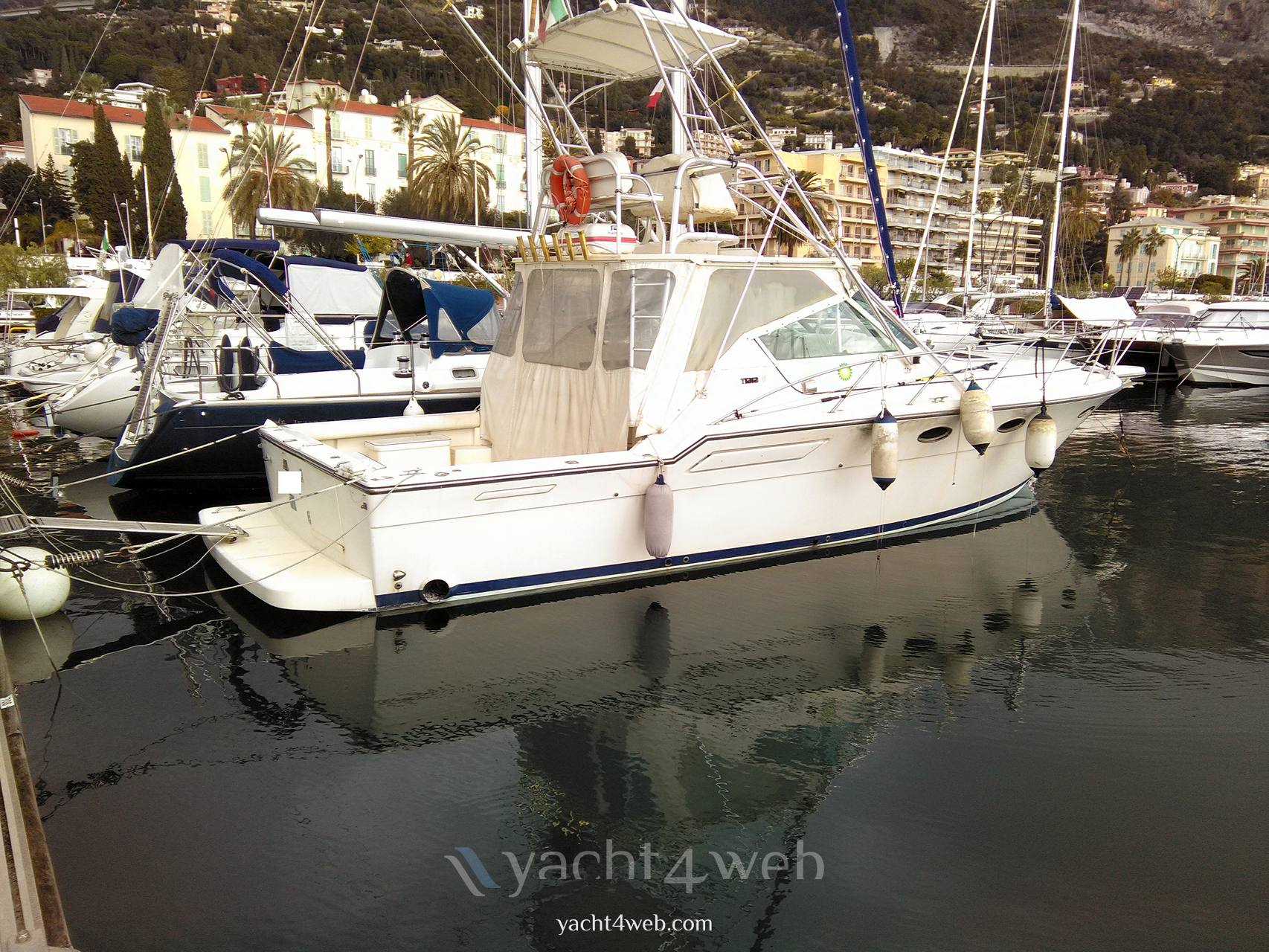 Tiara 36 express Motor boat used for sale