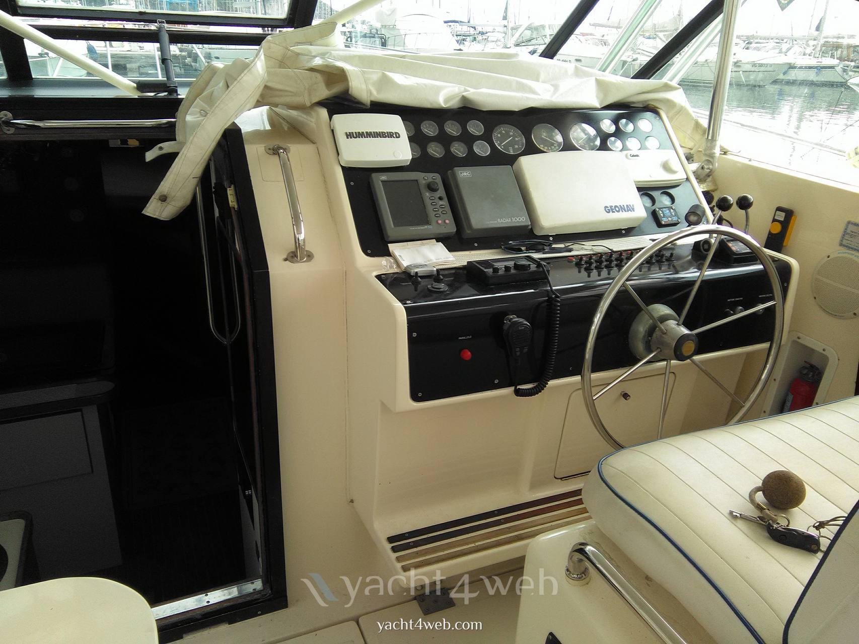 Tiara 36 express motor boat