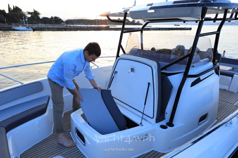 JEANNEAU Cap camarat 9.0 cc new motor boat