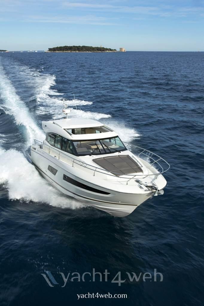 Prestige 420 s new Express cruiser