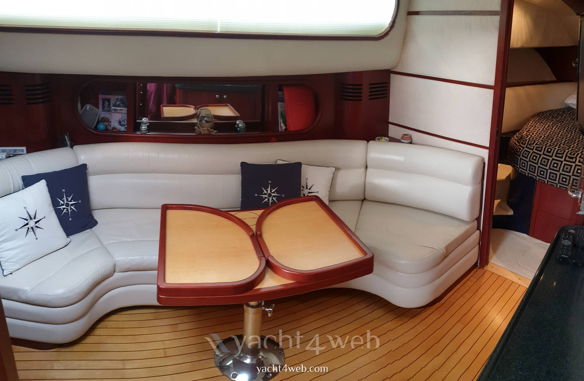CHRIS CRAFT Roamer 40 Express cruiser
