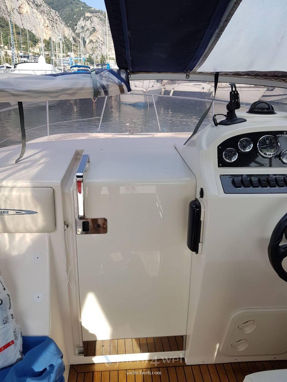Mano' Marine Mano' 23.50 cabin motor boat