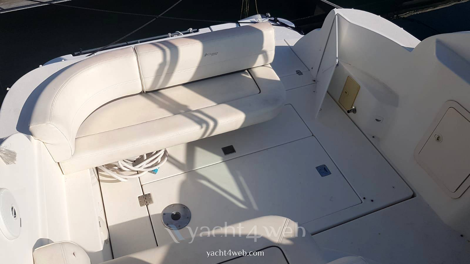 CRUISERS YACHTS Cruiser 280 express motor boat